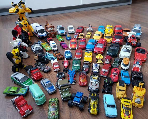 Mega zestaw 72 aut CARS, HOT WEELS plus 5 robotów