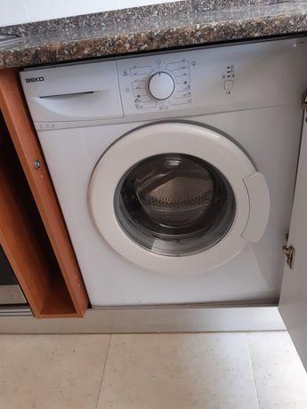 Máquina de lavar roupa Marca Beko de 5kg