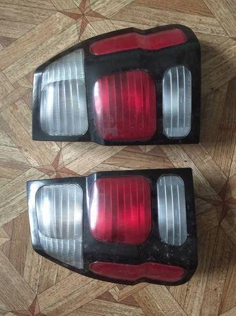Продам фары на Mitsubishi Pajero