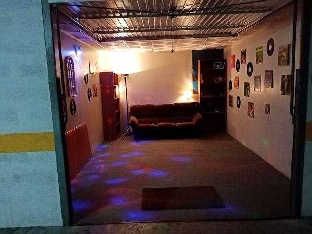 Garagem para alugar (Oeiras)