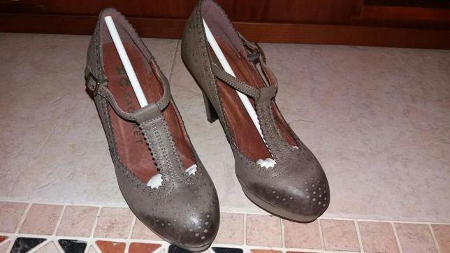 Sapatos a estrear Tam. 35