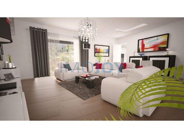Penthouse T4 com dois grandes terraços em Construção em Q...
