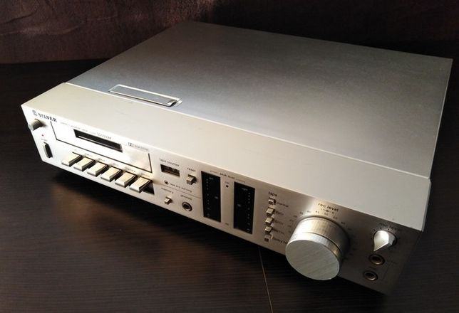 Magnetofon deck SILVER SD 5050 vel HARMAN KARDON 705. Made in Japan.