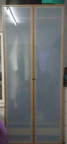 Roupeiro ikea madeira e vidro