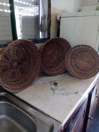 Cestas antigas usadas como costura