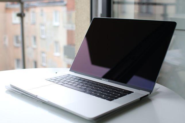 """MacBook Pro 2017 15"""" 16/256GB i7 2.8 Nowa bateria, stan BDB Laptop Mac"""