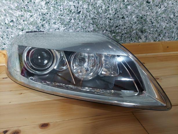ФАРА  Ауди ксенон AUDI Q7 (4L)