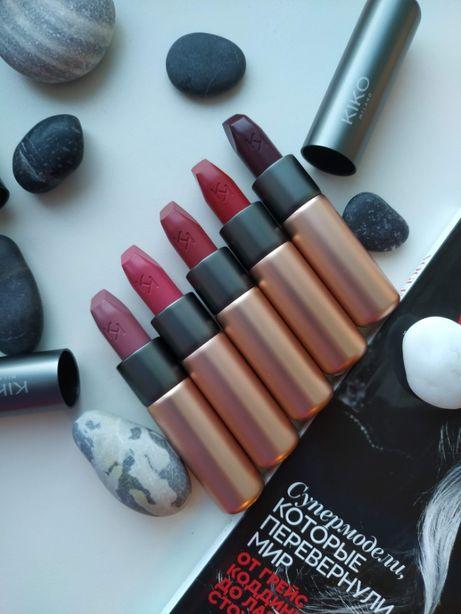 Помада матова KIKO Velvet Passion Matte Lipstick
