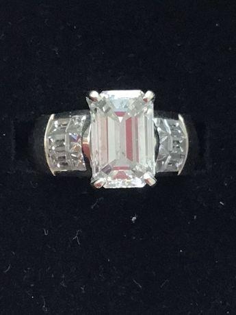 Продам кольцо с крупным бриллиантом 3,6 карат