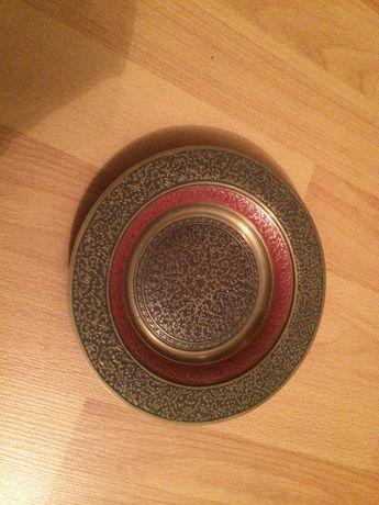 Старинная тарелка с емаллю