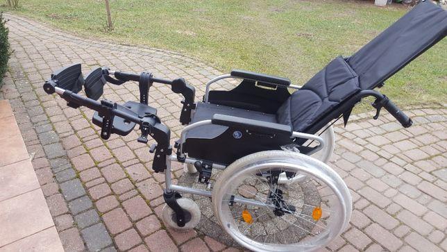 Wózek inwalidzki stabilizujący plecy i głowę - aluminiowy