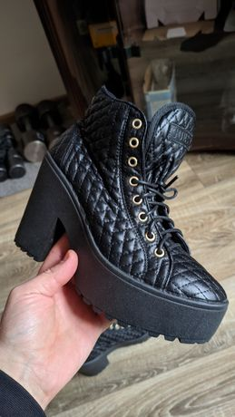 Guess Ботинки  Lacoste, BOSS, Nike Adidas Polo