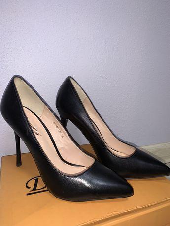 Шкіряні туфлі -лодочки