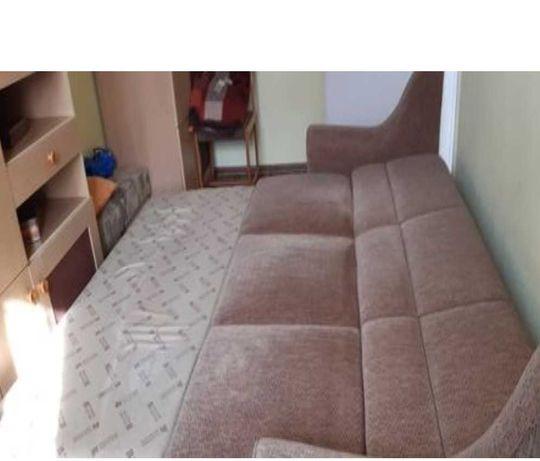 kanapa rozkładana na 2 i na 3 ,z poręczami długość 215 szerokość 185