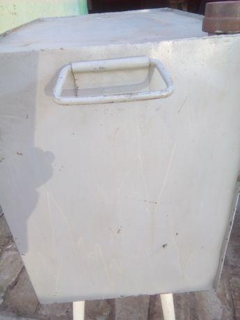 Металлическая емкость на сорок литров