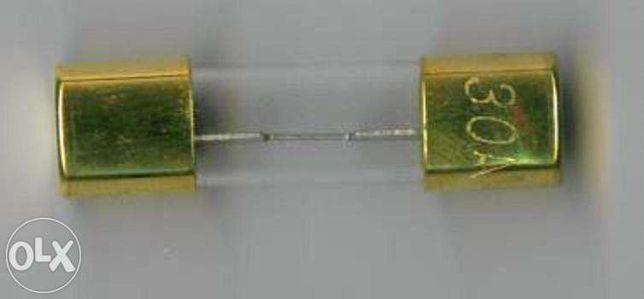 Fusivél 30a dourado 10x38mm2 car audio amplificador
