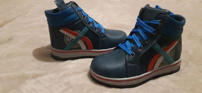 Детские ботиночки на мальчика