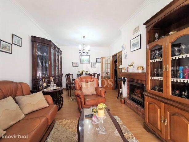 Apartamento T3, para venda, na Meadela