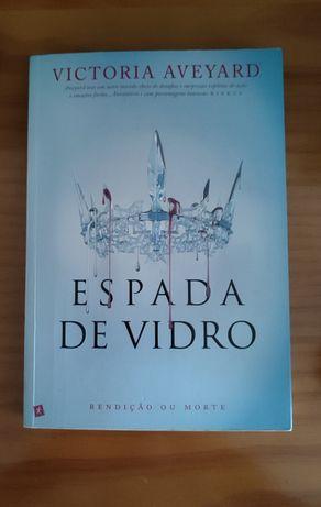 Livro Espada de Vidro - Victoria Aveyard
