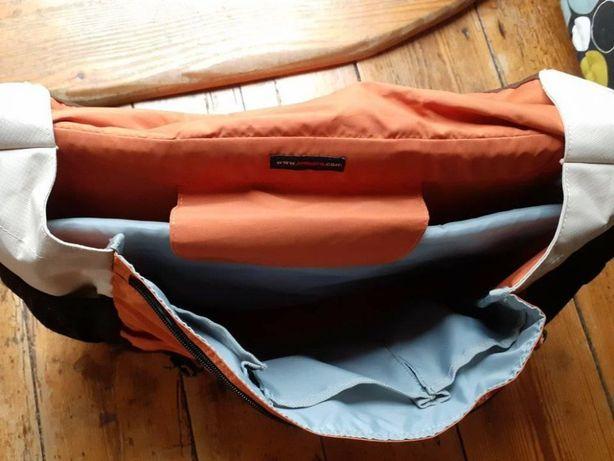 Lowepro torba na notebooka Messenger Factor L