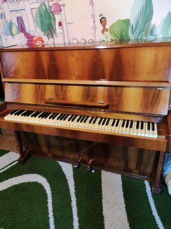 Продам  пианино бу