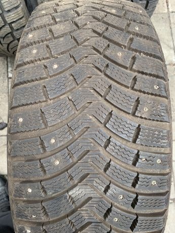 Шины б.у 235 45 R20 Michelin Latitude X-Ice north2 100T 3 шт шип зима