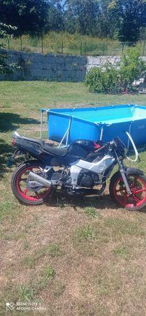 Vendou ou troco  Honda nsr 125