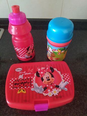 2 Lancheiras e 2 garrafas /copos de criança Minnie e Mickey