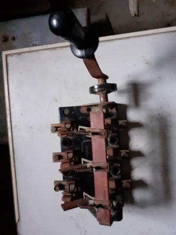 Рубільнік в нормальному стані 200 Ампер