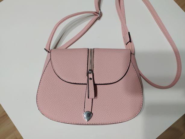 Mała różowa torebka