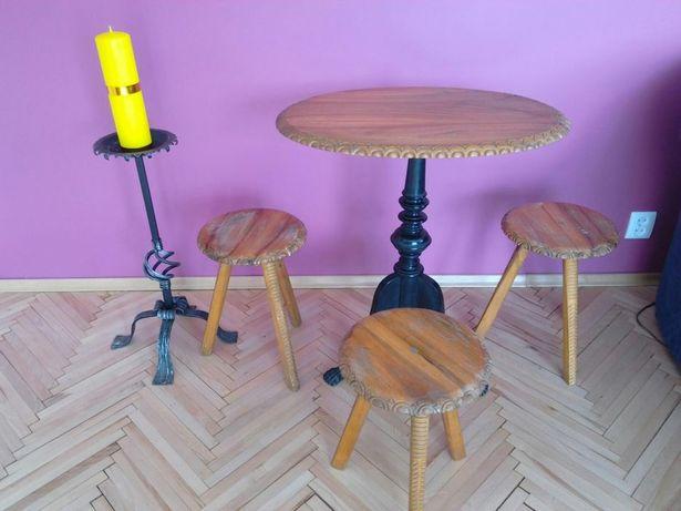 Stolik i trzy stołki drewniane ręczna robota