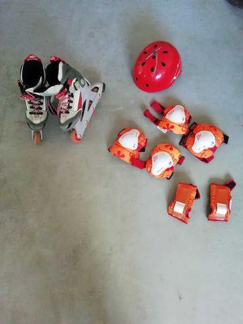 Patins em linha, capacete e proteções