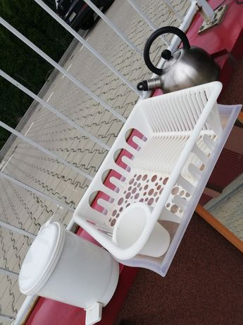 Suszarka na naczynia, czajnik, kosz na śmieci IKEA