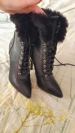 Ботинки жіночі 37р.