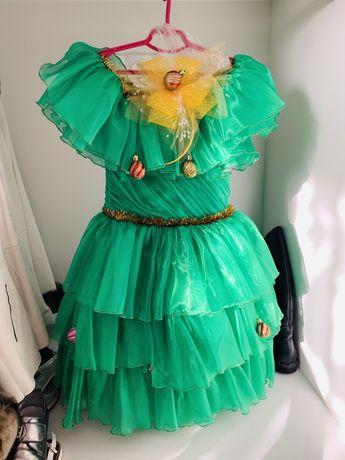 Продам платье елка 122-134