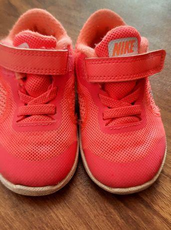 Красовочки Nike весна
