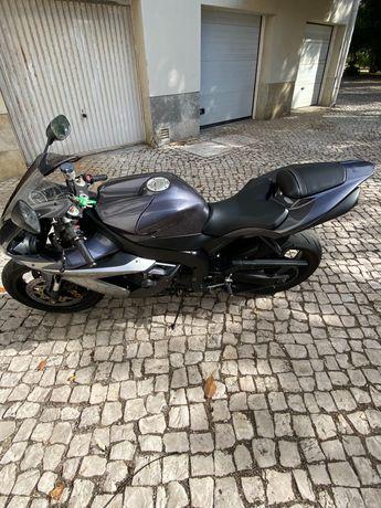 Yamaha R1 ano 2005