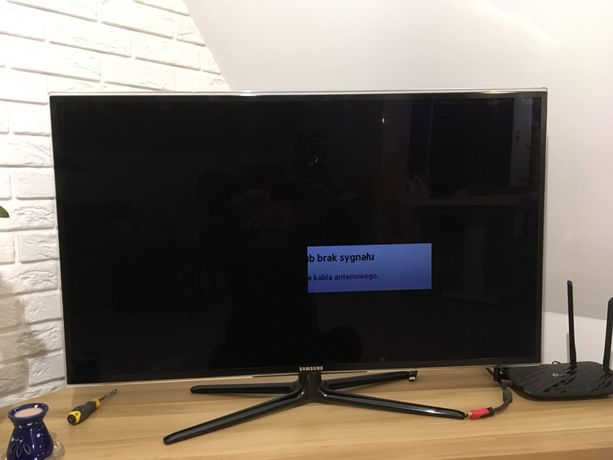 Sprzedam uszkodzony telewizor