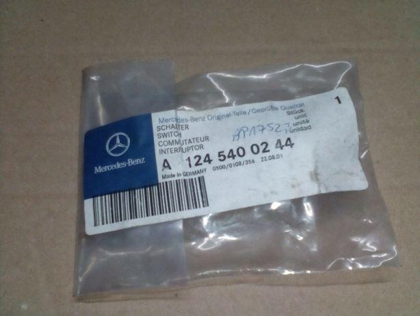Датчик уровня охлаждающей жидкости Mercedes