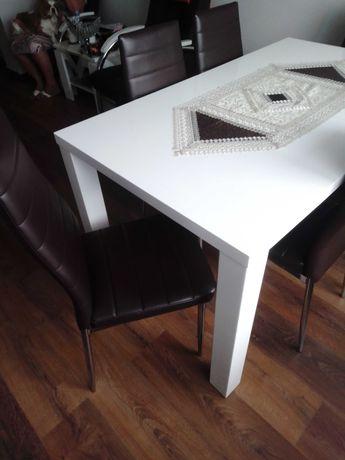 Sprzedam stół i krzesła