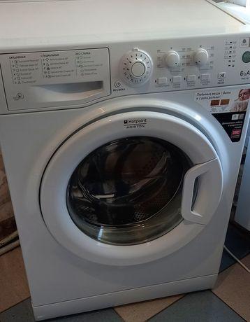 Продам 40см.стиральную машину на 6кг Ariston WMSL600,Италия!