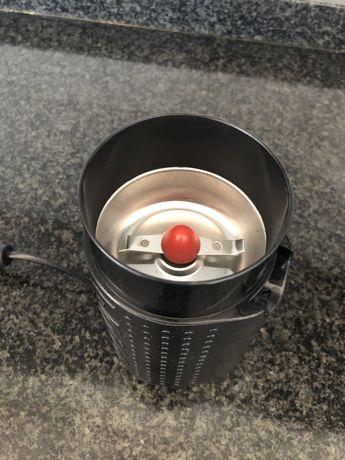Moinho de café elétrico