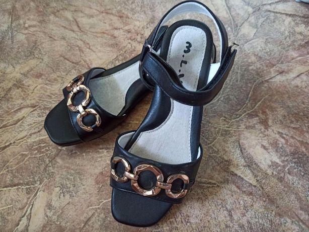 Школьная обувь для девочки, босоножки размеры 32,33,34,35