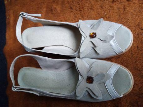 Wyprzedaż 70% obniżka-buty letnie damskie jasny beż zamszowe