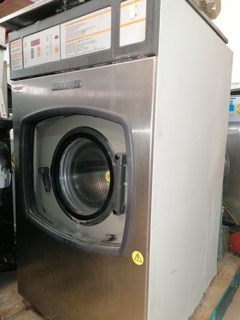 Girbau Máquina de lavar roupa industrial