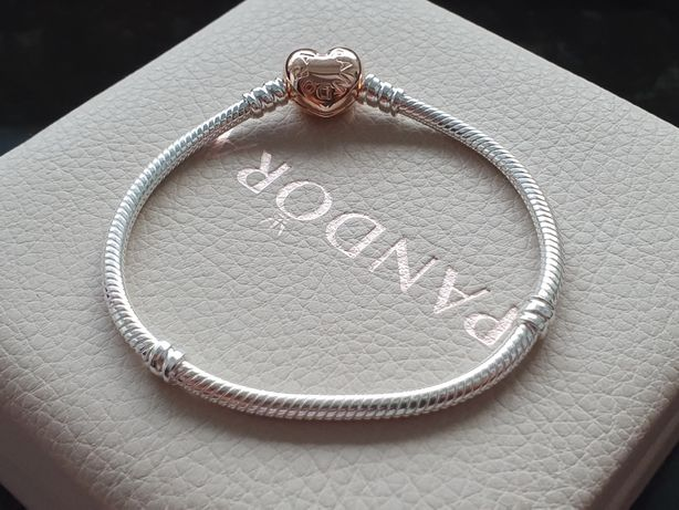 Pandora Bransoletka Moments z zapięciem w kształcie serca Rose
