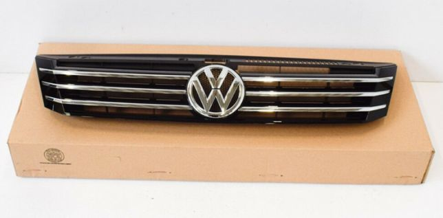 Решётка радиатора Volkswagen Passat USA артикул 561853651COQE