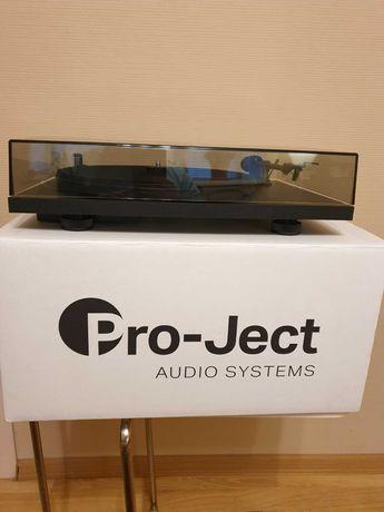 Продам виниловый проигрыватель Pro Ject Primary