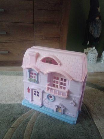 Domek dla lalek.