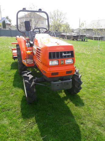 Traktor iaponski hinomoto nx220 pervii xaziain